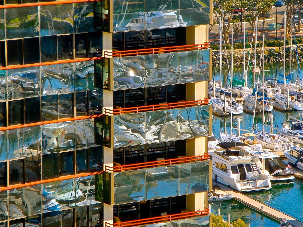 Marina & Mirrors