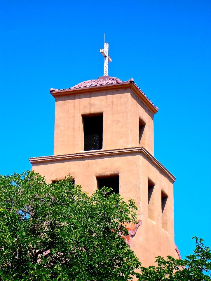 Iglesia y Cruz