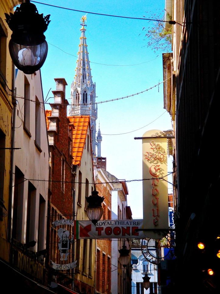Peaks and Alleys