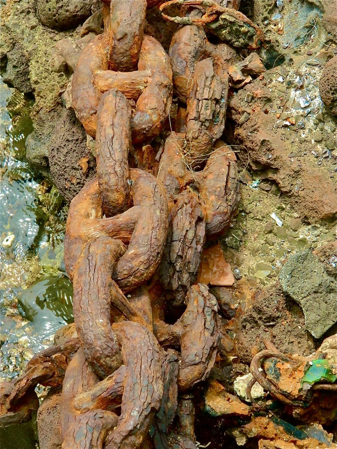 Lahaina Rusty Chain