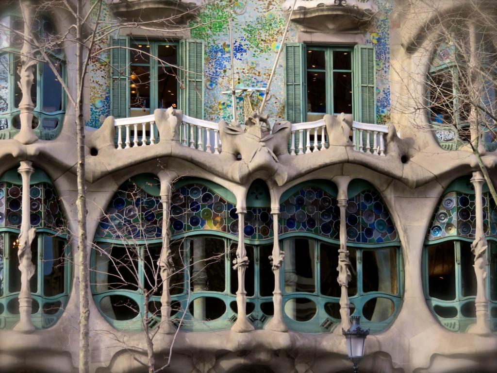 Casa Batllo Windows