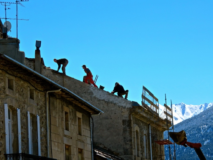 3 Countries French MontLouis Roofers