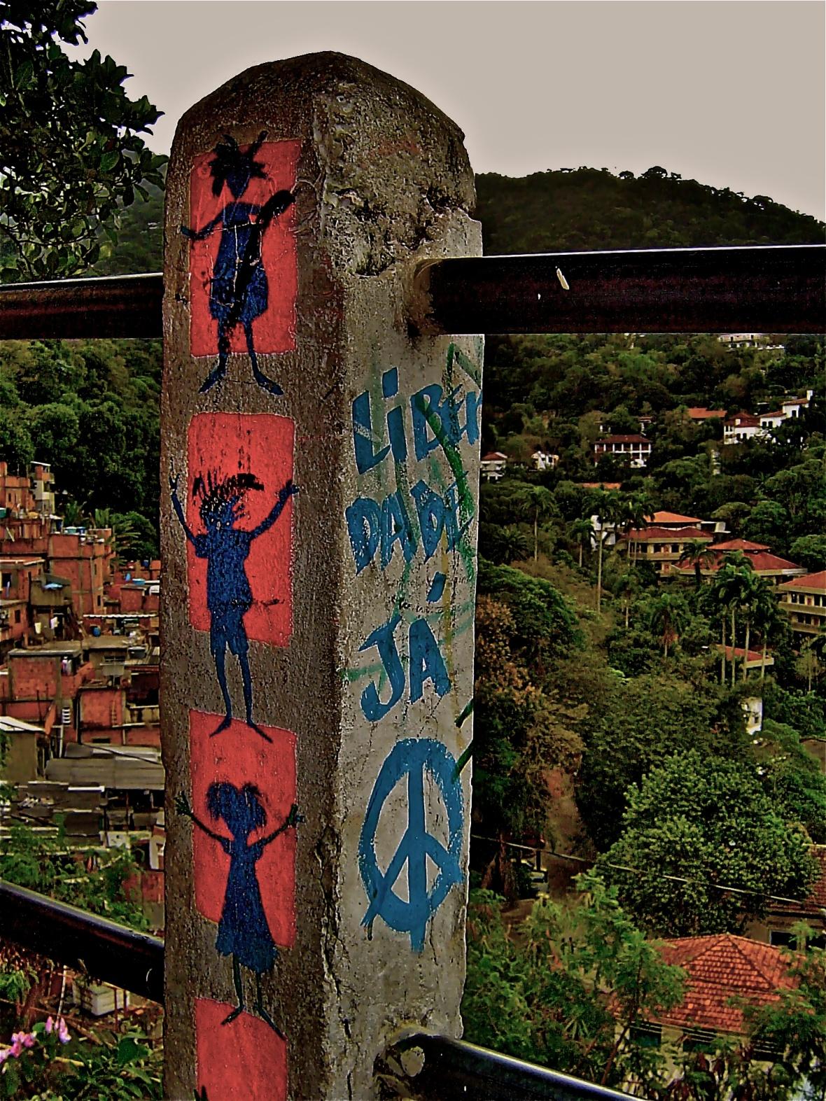Favela Rocinha Pole