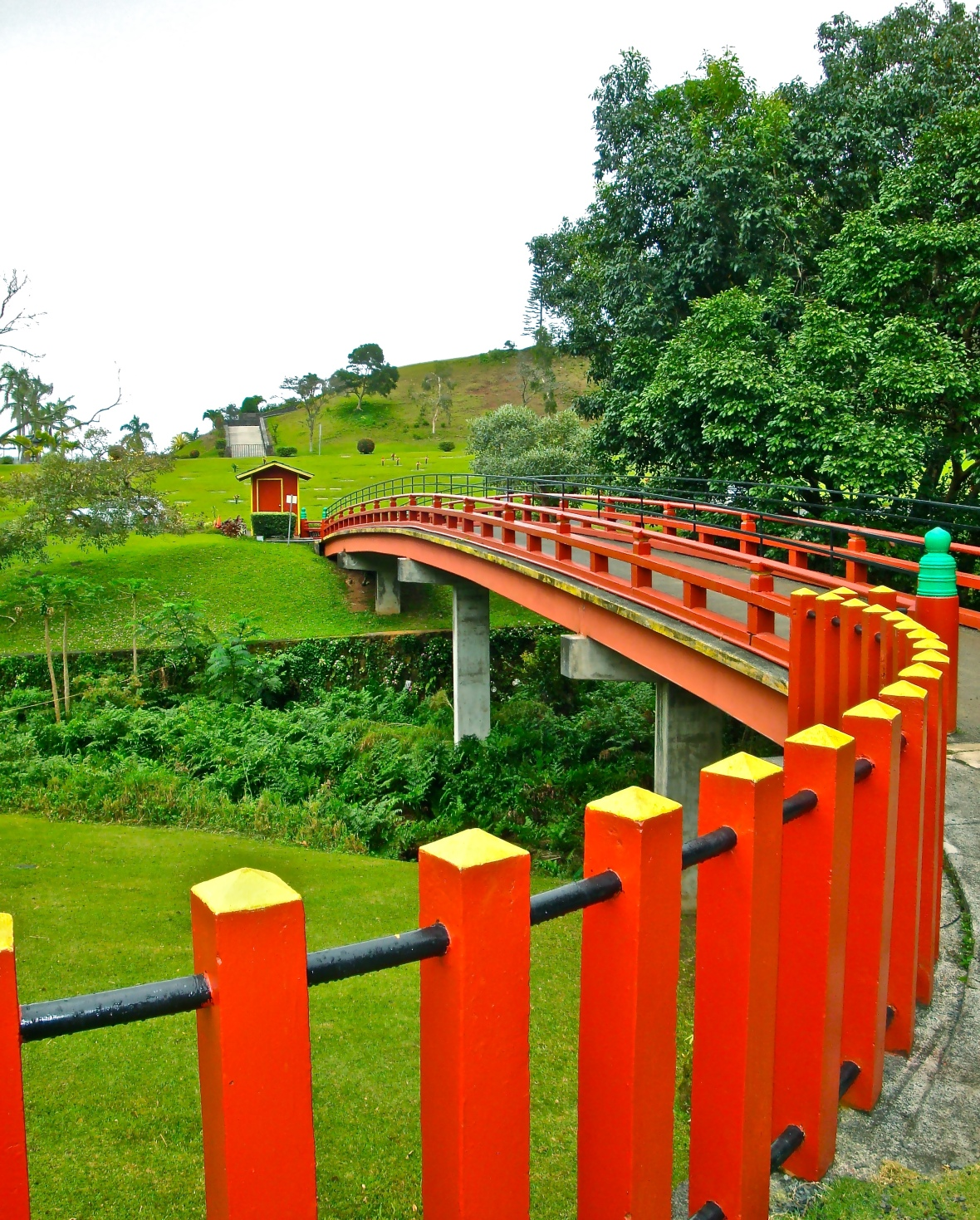 bridge-and-red-posts