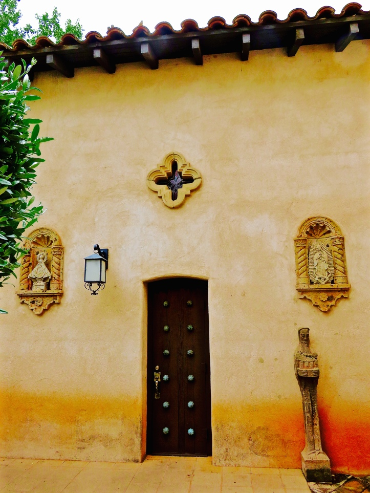 Tlaquepaque Chapel Side Elements